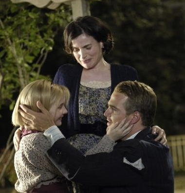 Abigail Breslin, Julia Ormond and Chris O'Donnell